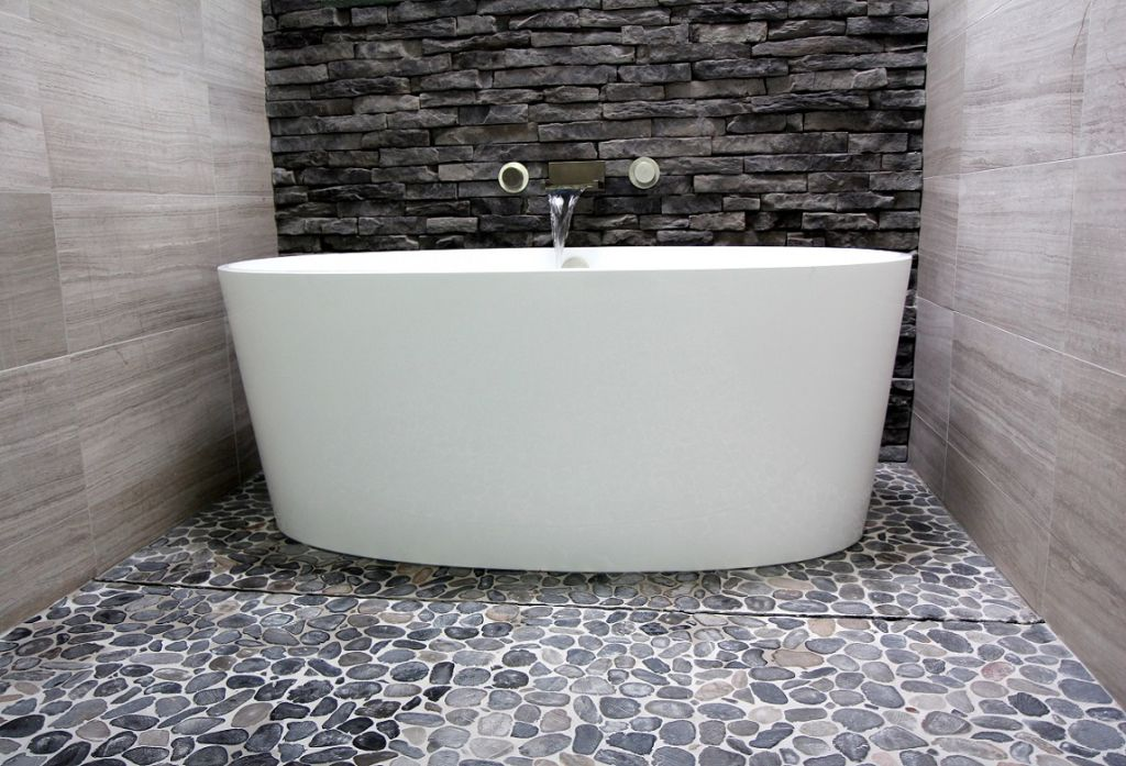 Inside Houzz A Chopped Up Bathroom Goes Streamlined And